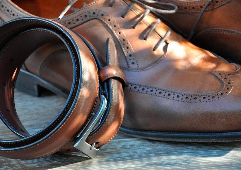 Kombination Schuhe und Gürtel