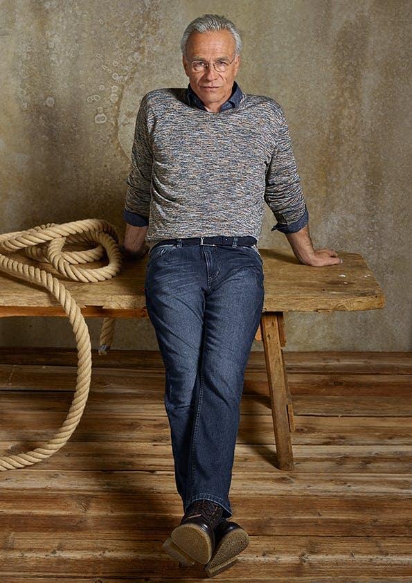 Klaus J. Behrendt trägt die Sprinter-Jeans