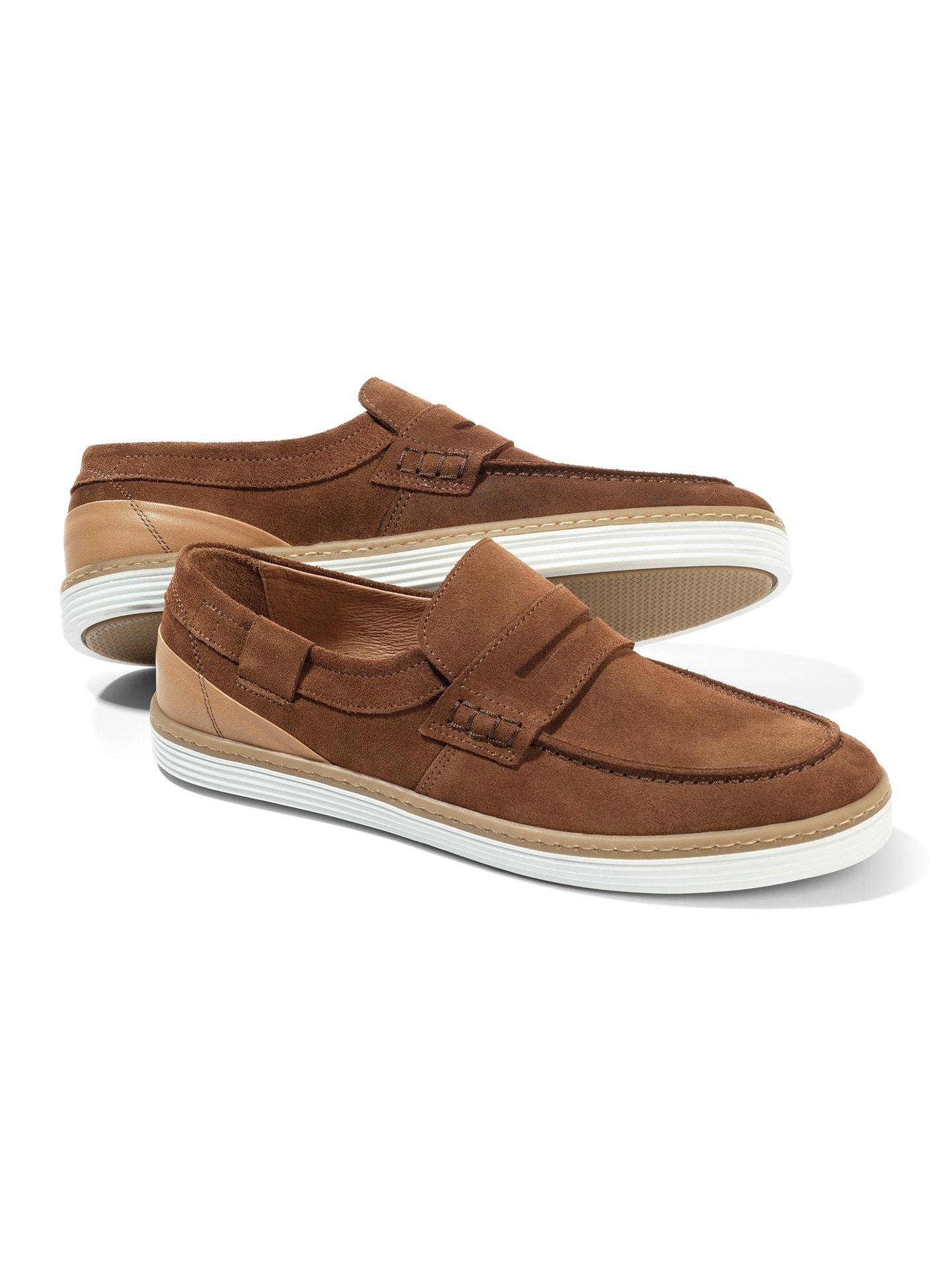 Artikel klicken und genauer betrachten! - Durch und durch sportlich - wie der Name schon sagt.  Der Schuh trägt sich herrlich leicht. Seine TR-Laufsohle verleiht Ihnen sicheren Halt, selbst auf feuchtem Untergrund. Und das superweiche Lederfutter verschafft Ihnen ein bequemes und angenehmes Tragegefühl - auch wenn Sie den Schuh ohne Socken anziehen. Außen überzeugt der Loafer durch robustes Rindleder. Die weiße Sohle unterstreicht den modischen Touch des Loafers. | im Online Shop kaufen
