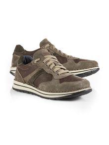 Sneaker Handnaht