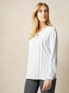 Bluse mit Schleifchen Weiß . Detail 1
