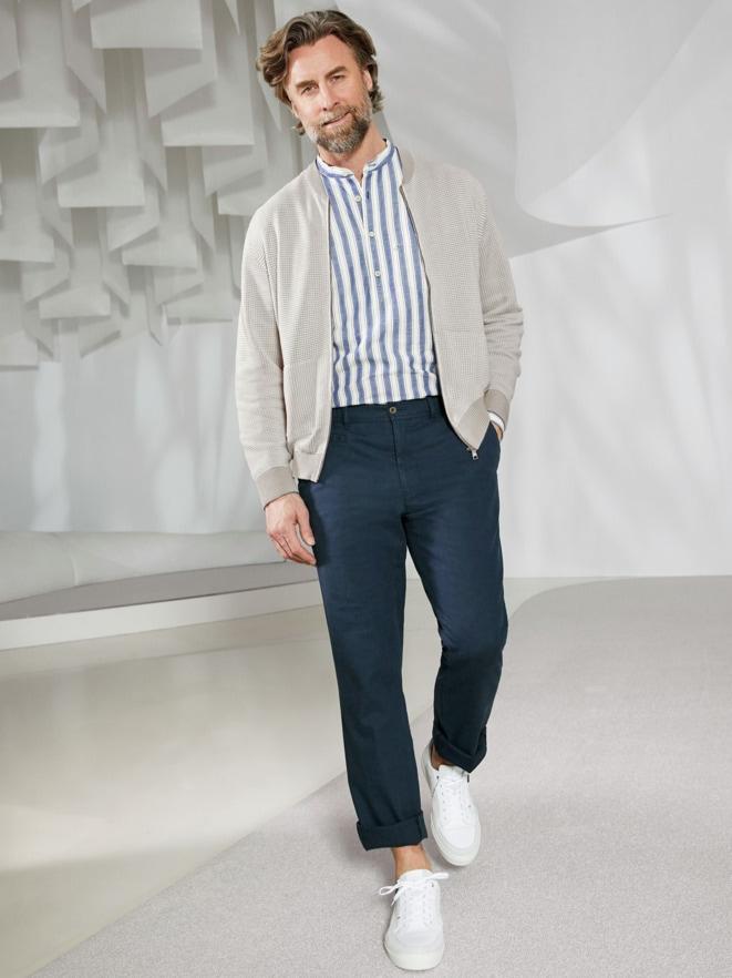Outfit Strick-Blouson Atelier