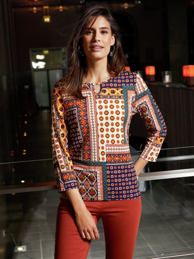 Outfit Trendfarben Viskose-Shirt Mosaik