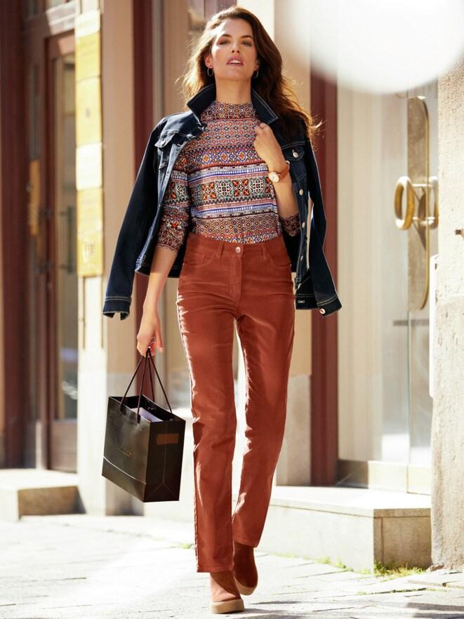Outfit Trendfarben Powerstretch-Jeansjacken